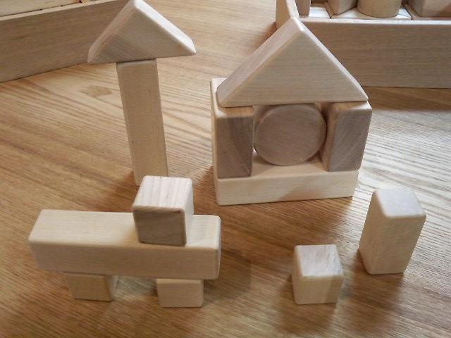 積み木は子供の想像力を伸ばします