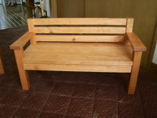 かわいいベンチでしょ
